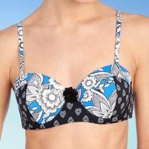 Women's NWT Vera Bradley Bikini Top